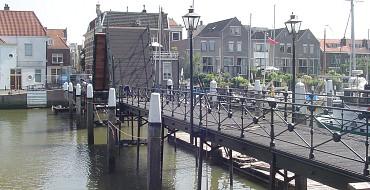 Lange IJzeren brug